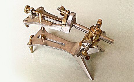 one of the first versions of the Galetti articulator
